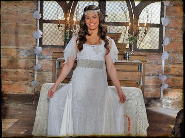 Açucena vestida de noiva para seu casamento