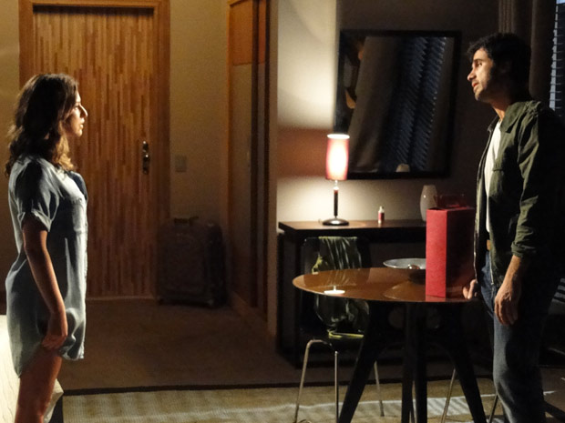Irene conta ao primo que ele foi vítima de armação