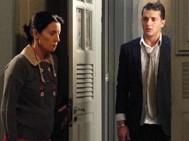 Dulce abre a porta para Guilherme mesmo após descobrir a farsa