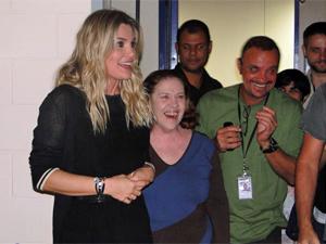 Flávia Alessandra é prestigiada pelos colegas