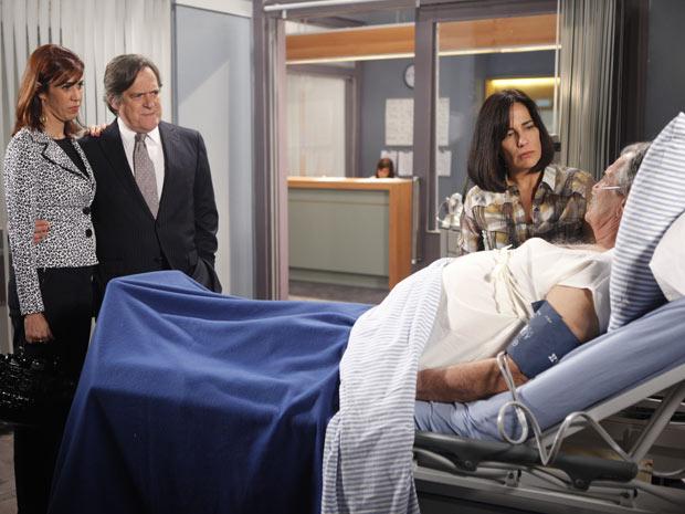 Bibi visita o padrinho no hospital