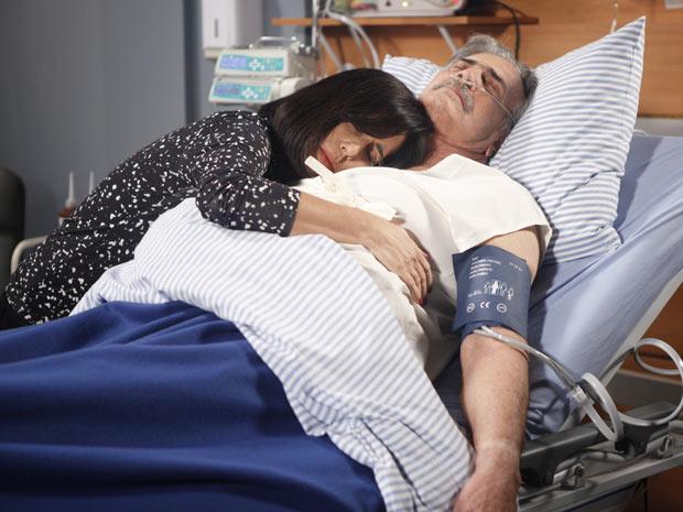 Arrependida, Norma conforta Teodoro: 'Você vai sair dessa rapidinho'