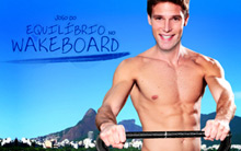 Ajude Rafa a se equilibrar na prancha e ganhe pontos  (Insensato Coração/ TV Globo)
