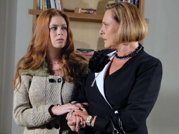 Alice e Minerva percebem que o plano não vai dar certo (Foto: Morde & Assopra / TV Globo)