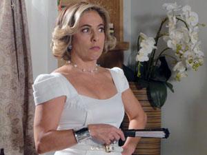 Augusta não gosta nada da intromissão de Minerva (Foto: Morde & Assopra / TV Globo)