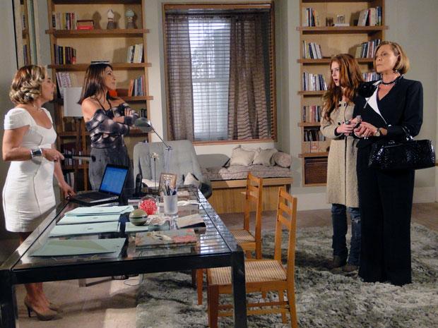 Minerva acusa Guilherme de roubo e pede para Augusta demiti-lo (Foto: Morde & Assopra / TV Globo)