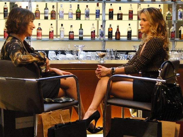 Natalie convida Wanda para ser sua professora (Foto: Insensato Coração/ TV Globo)