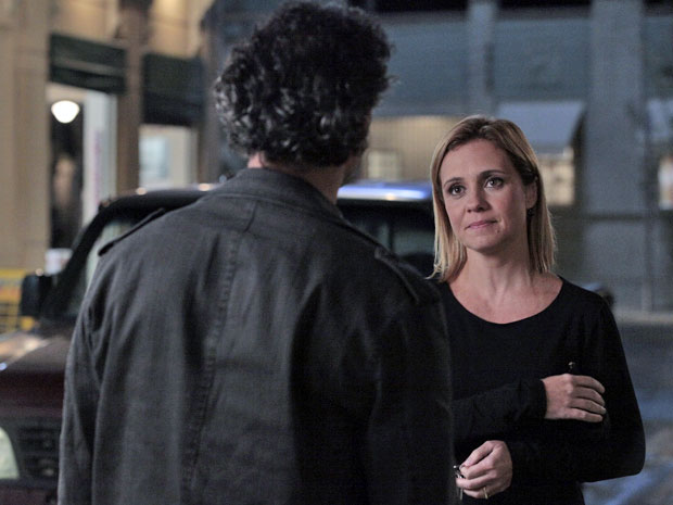 Júlia manda Abner investigar a proximidade de Celeste com Josué (Foto: Morde & Assopra / TV Globo)
