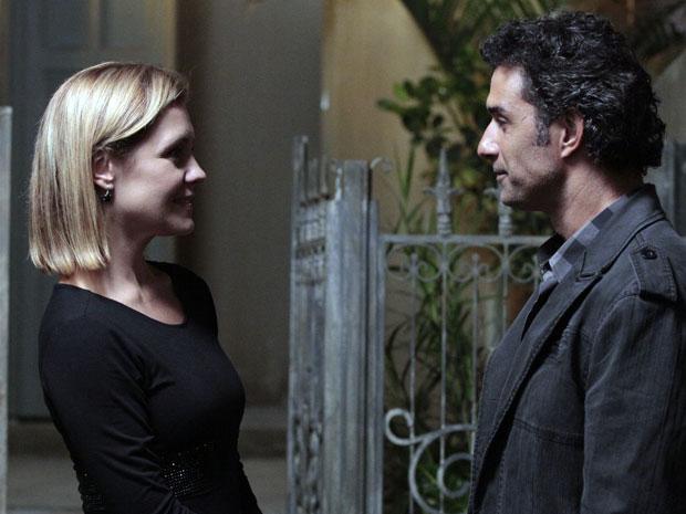 Abner fica animado ao saber que poderá ter nova chance com Júlia (Foto: Morde & Assopra / TV Globo)
