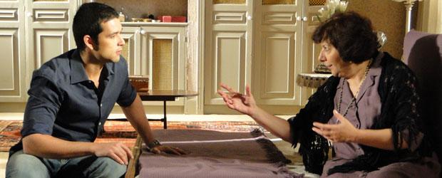 Salomé ressalta que ninguém pode saber que os dois estiveram na casa de Ícaro (Foto: Morde & Assopra/TV Globo)