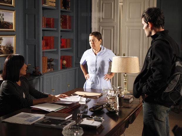 Jandira avisa a Norma que Milton a viu com Ismael (Foto: Insensato Coração / Tv Globo)