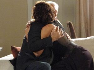 Raul termina com Carol (Foto: Insensato Coração / Tv Globo)