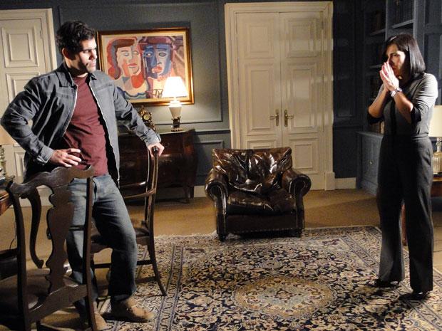 Norma se desespera ao saber da morte de Milton (Foto: Insensato Coração / Tv Globo)