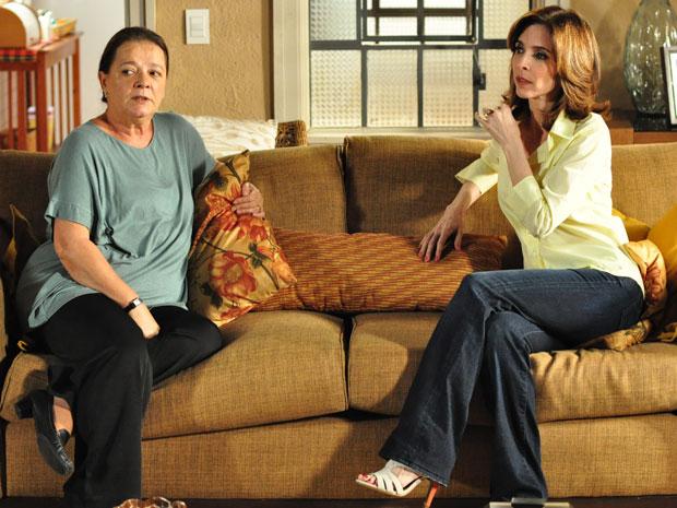 Eunice preocupada 620x465 (Foto: Insensato Coração / Tv Globo)