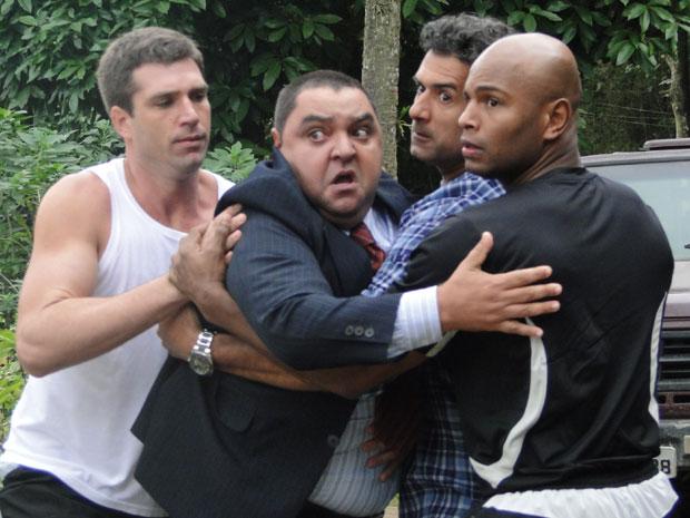 Herculano quer dar lição em Guilherme (Foto: Morde&Assopra/TVGlobo)