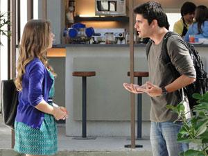 Pedro se explica para Cat sobre Tereza (Foto: Malhação/ TV Globo)