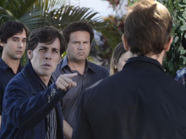 Bira briga com Guilherme (Foto: Morde & Assopra / TV Globo)