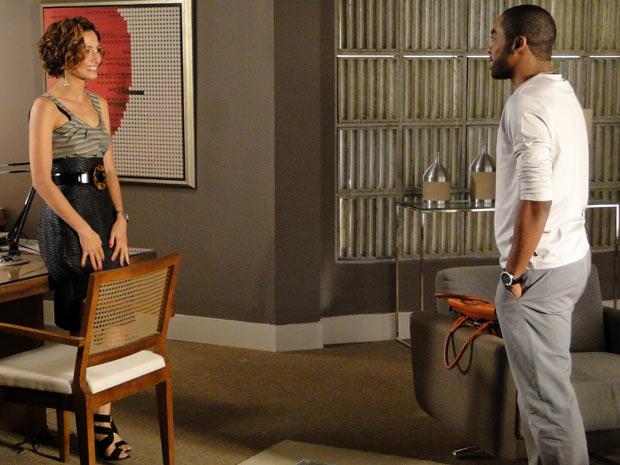 Carol aceita morar com André (Foto: Insensato Coração/ TV Globo)
