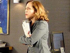 Daisy pede demissão (Foto: Insensato Coração/ TV Globo)