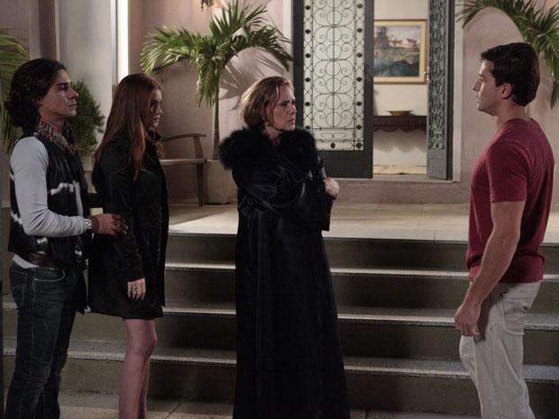 Minerva manda Guilherme se afastar de Alice (Foto: Morde&Assopra/TVGlobo)