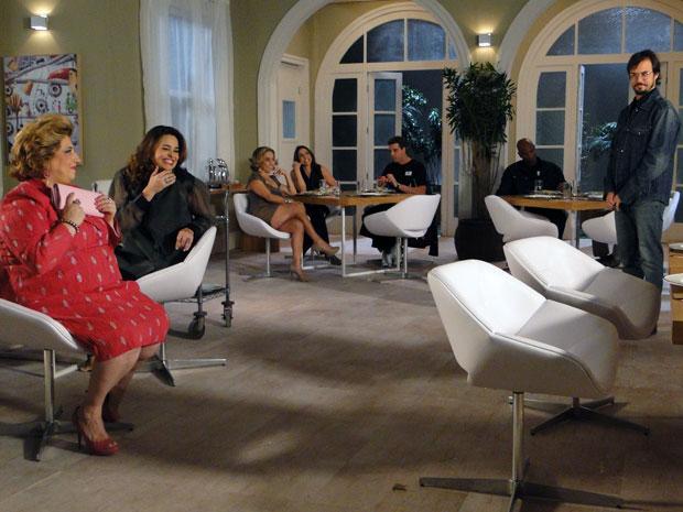 Mulherada do Spa dá em cima de Cristiano (Foto: Morde & Assopra / TV Globo)