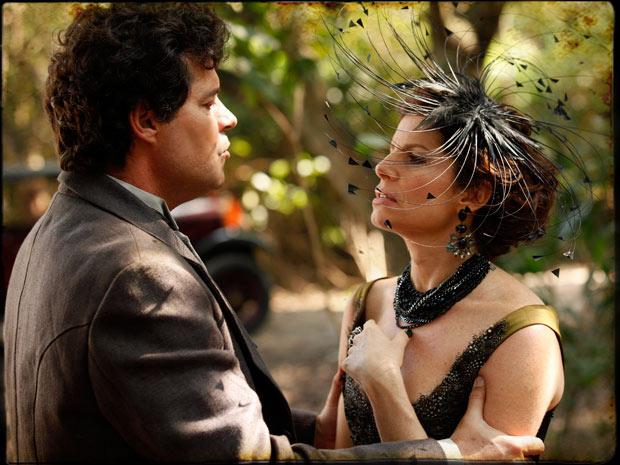 Úrsula confessa todos seus crimes (Foto: Cordel Encantado/TVGlobo)