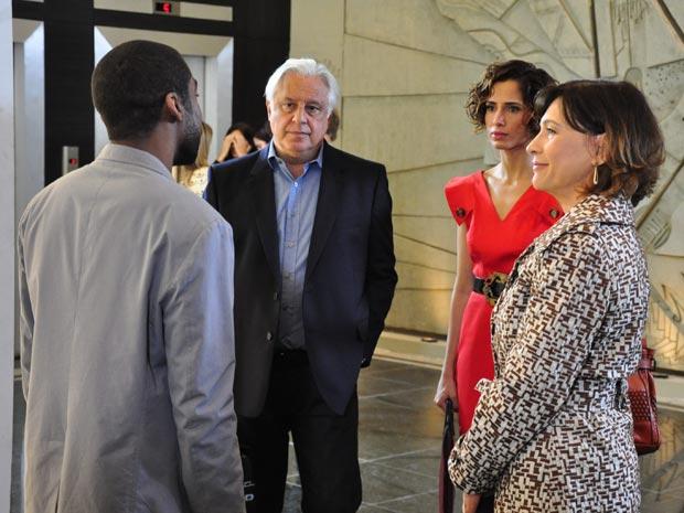 Raul e Carol vão sofrer com o sarcasmo dos ex (Foto: Estevam Avellar/TV Globo)
