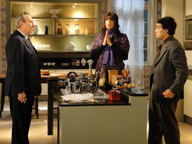 Élcio/Elaine fica dividido entre Eliseu e Xavier (Foto: Morde & Assopra/TV Globo)