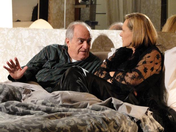 Isaías sugere uma nova forma de afastar Lilian de Alice (Foto: Morde & Assopra/TV Globo)