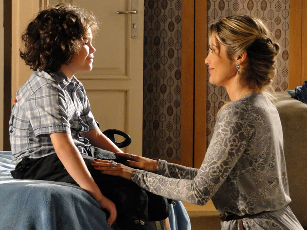 Naomi pede para Rafael mentir para Ícaro e promete trazer Amanda para morar com eles (Foto: Morde&Assopra/TVGlobo)