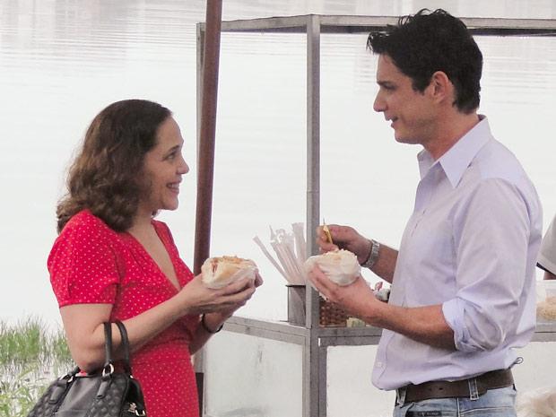 Daisy e Beto curtem a cumplicidade que sempre sentiram (Foto: Insensato Coração/TV Globo)