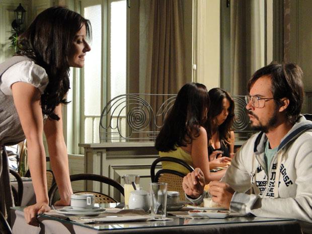 Abelha não perde a chance de provocar Cristiano (Foto: Morde & Assopra/TV Globo)