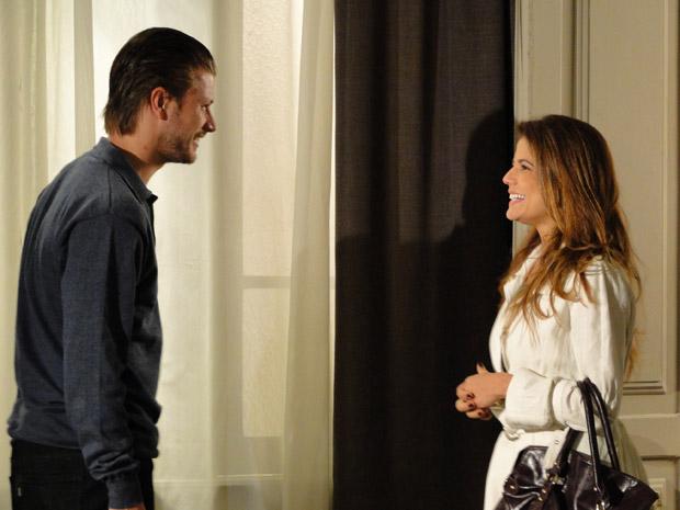 Lavínia e Fernando se reencontram (Foto: Morde&Assopra/TVGlobo)