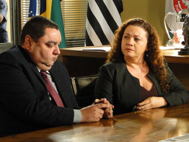 Herculano e Anecy não gostam da interrupção (Foto: Morde & Assopra/TV Globo)