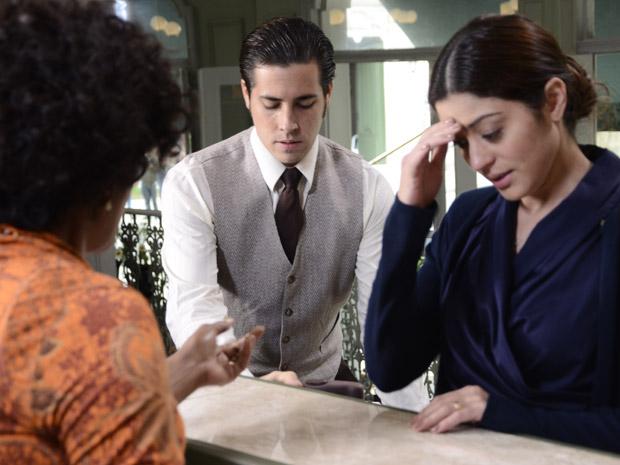 Natália faz proposta para Janice (Foto: Morde&Assopra/TVGlobo)