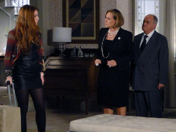 Alice chama Minerva e Isaías de mentirosos (Foto: Morde & Assopra / TV Globo)