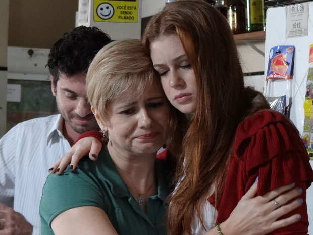 Alice consola Lilian (Foto: Morde & Assopra / TV Globo)