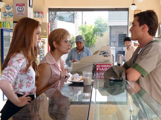 Guilherme volta a humilhar Alice, mas Lilian se mete para defender a filha (Foto: Morde & Assopra / TV Globo)