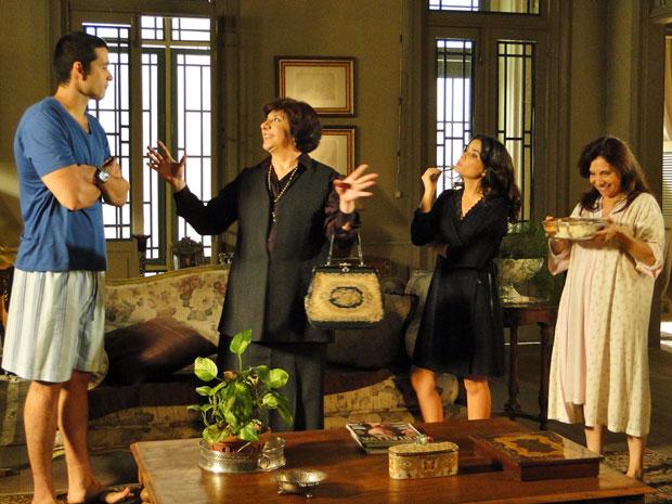 Salomé fica eufórica ao descobrir que Marcos se separou de Natália (Foto: Morde & Assopra/TV Globo)