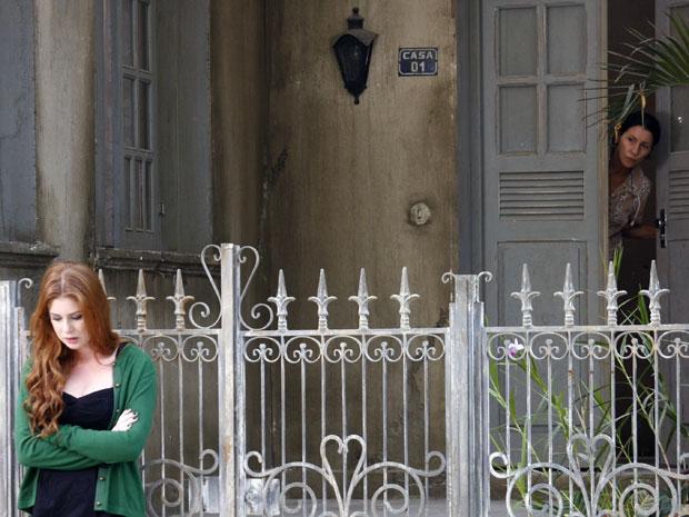 Alice procura Dulce para pedir perdão (Foto: Morde & Assopra / TV Globo)