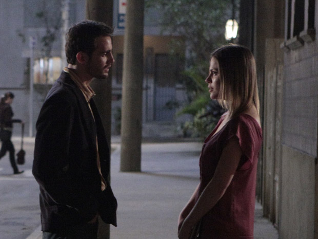 Melissa convida Wilson para um novo encontro (Foto: Morde&Assopra/TVGlobo)