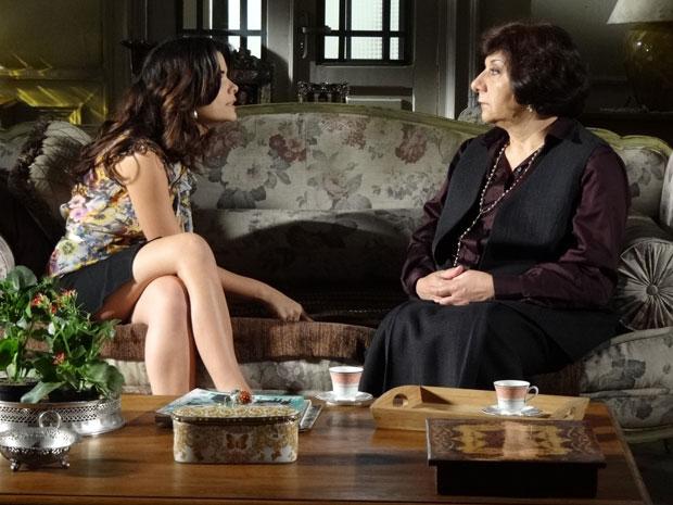 Celeste discorda da ideia da mãe e diz que não se casa com Áureo (Foto: Morde & Assopra/TV Globo)