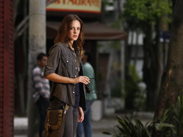 Raquel aparece (Foto: Malhação / TV Globo)