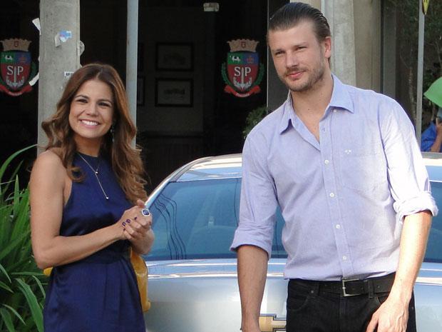 Nívea Stelmann e Rodrigo Hilbert se despedem de Morde & Assopra (Foto: Morde & Assopra/TV Globo)