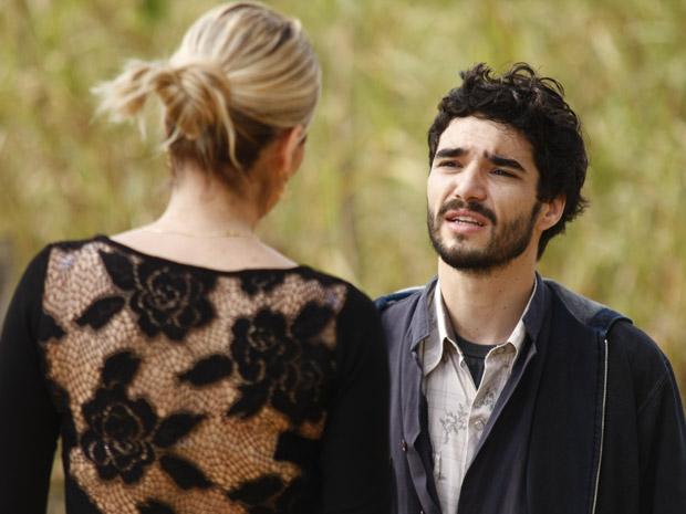 Leandro diz que sabe que Naomi não é culpada pela morte de Pimentel (Foto: Morde&Assopra/TVGlobo)