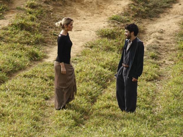 Leandro leva Naomi até a fazenda de Abner (Foto: Morde&Assopra/TVGlobo)