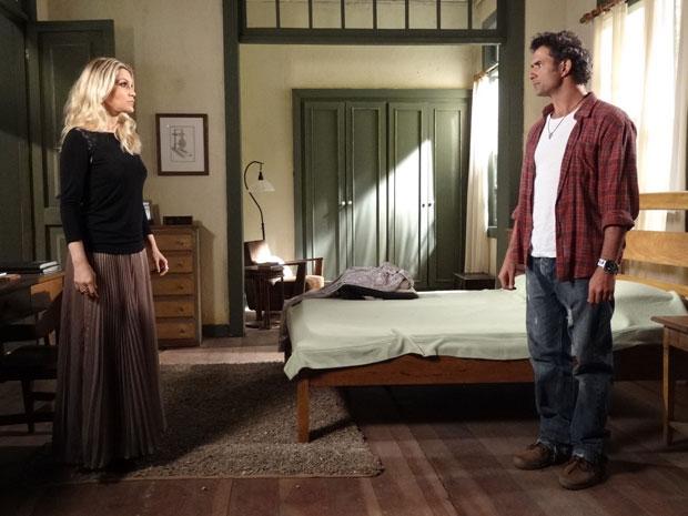 Abner deseja que Naomi conte a verdade (Foto: Morde & Assopra/TV Globo)
