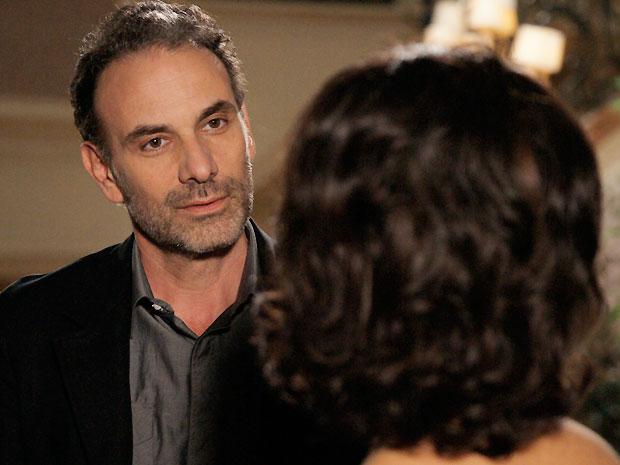 Samir pede Clô em casamento (Foto: O Astro/TV GLOBO)