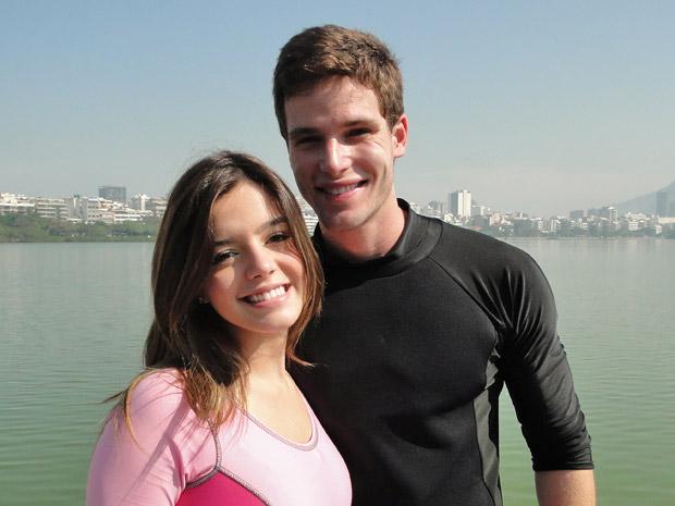 Giovanna Lancellotti e Jonatas Faro no intervalo das gravações (Foto: Insensato Coração/TV Globo)