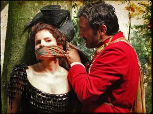 Ele diz que a duquesa será sua prisioneira (Foto: Cordel Encantado/Tv Globo)